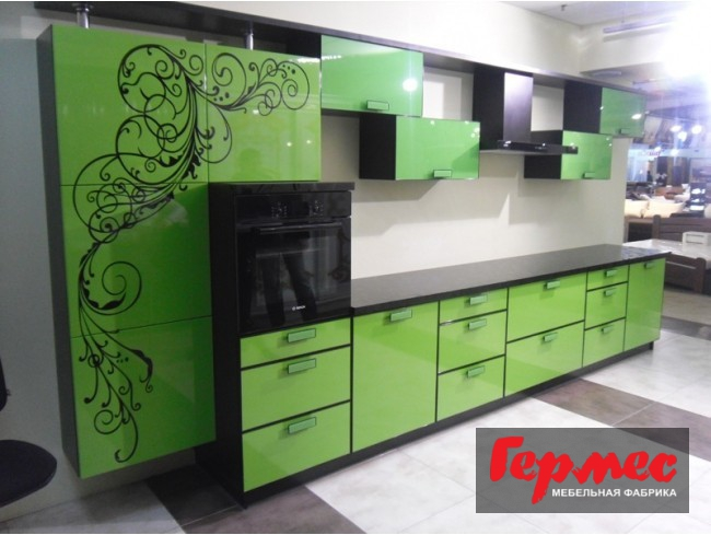 фото сочетания зеленого и черного цветов на кухне