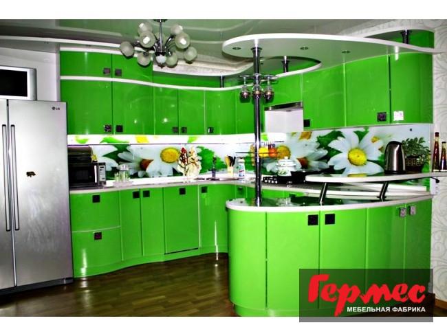 фото сочетания зеленого и белого цветов на кухне гермес