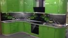 фото кухни на заказ крашенный пластик - зеленая