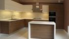 Кухни с фасадами ДСП Egger кремового цвета